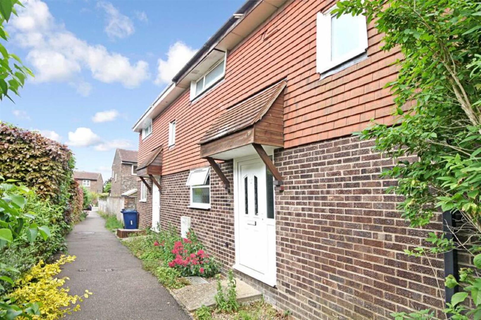 3 Bedrooms Semi Detached House for sale in Merton Walk, Hardwick